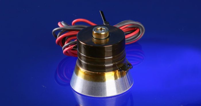 ultrasonic transducers for cleaning
